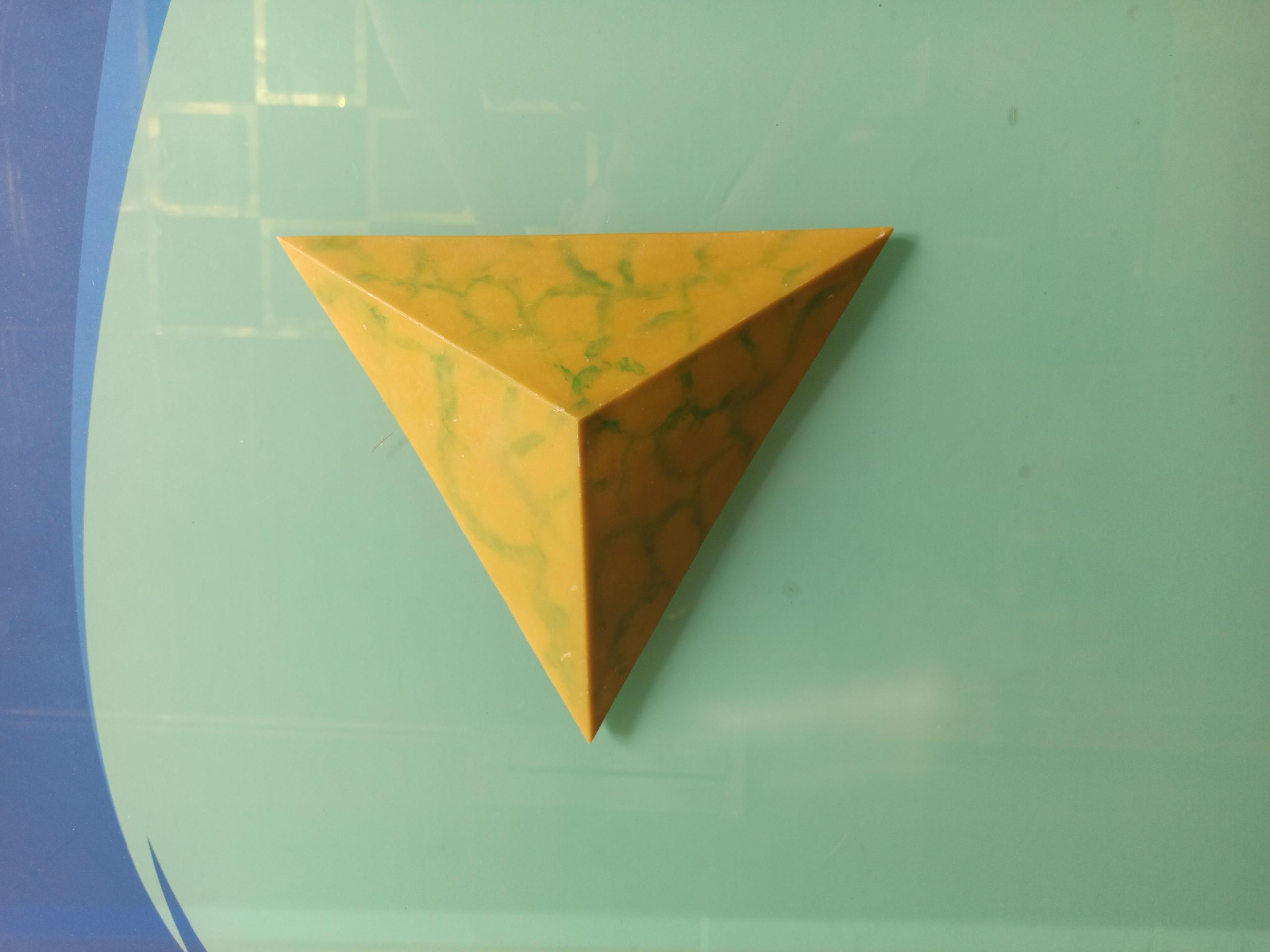 Khối tam giác đều Luxer