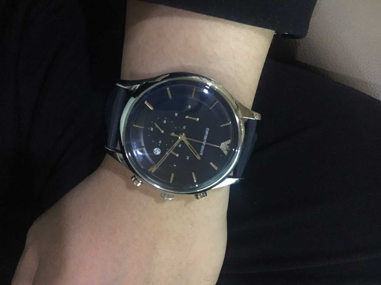 dong-ho-armani-day-da-ar11018-chinh-hang-armanishop-vn