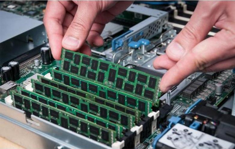 Ram PC Server Crucial 16GB 2666MHz DDR4 ECC EUDIMM CT16G4WFD8266