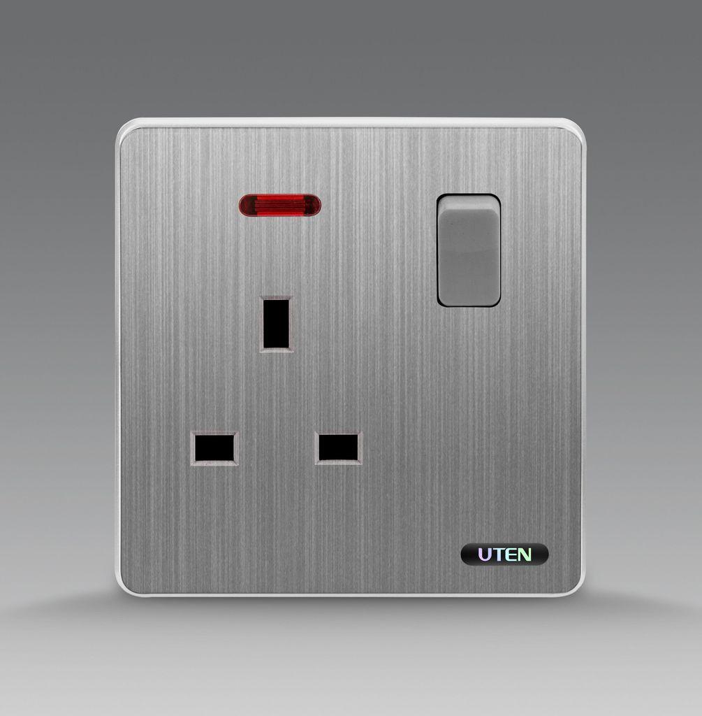 Bộ ổ cắm 3 chấu đa năng có đèn báo uten S300 KZ13/N