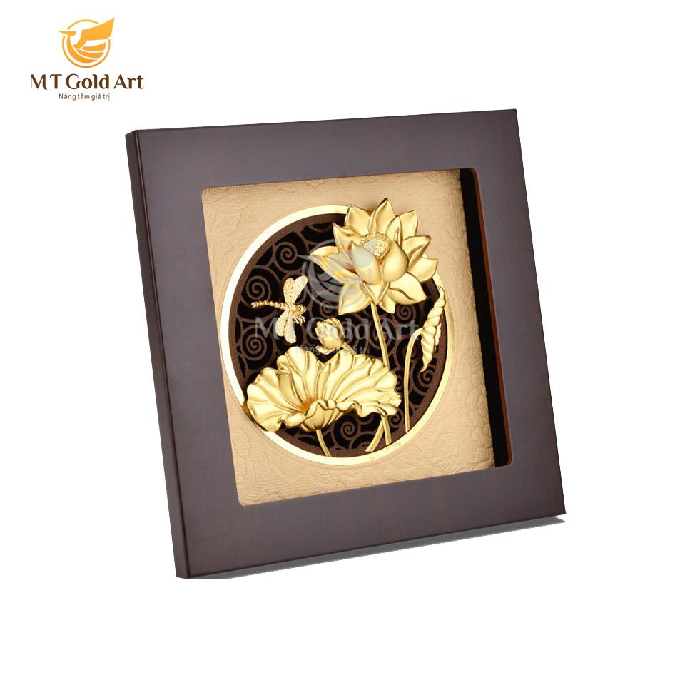 Tranh hoa sen chuồn chuồn dát vàng 20x20 -1