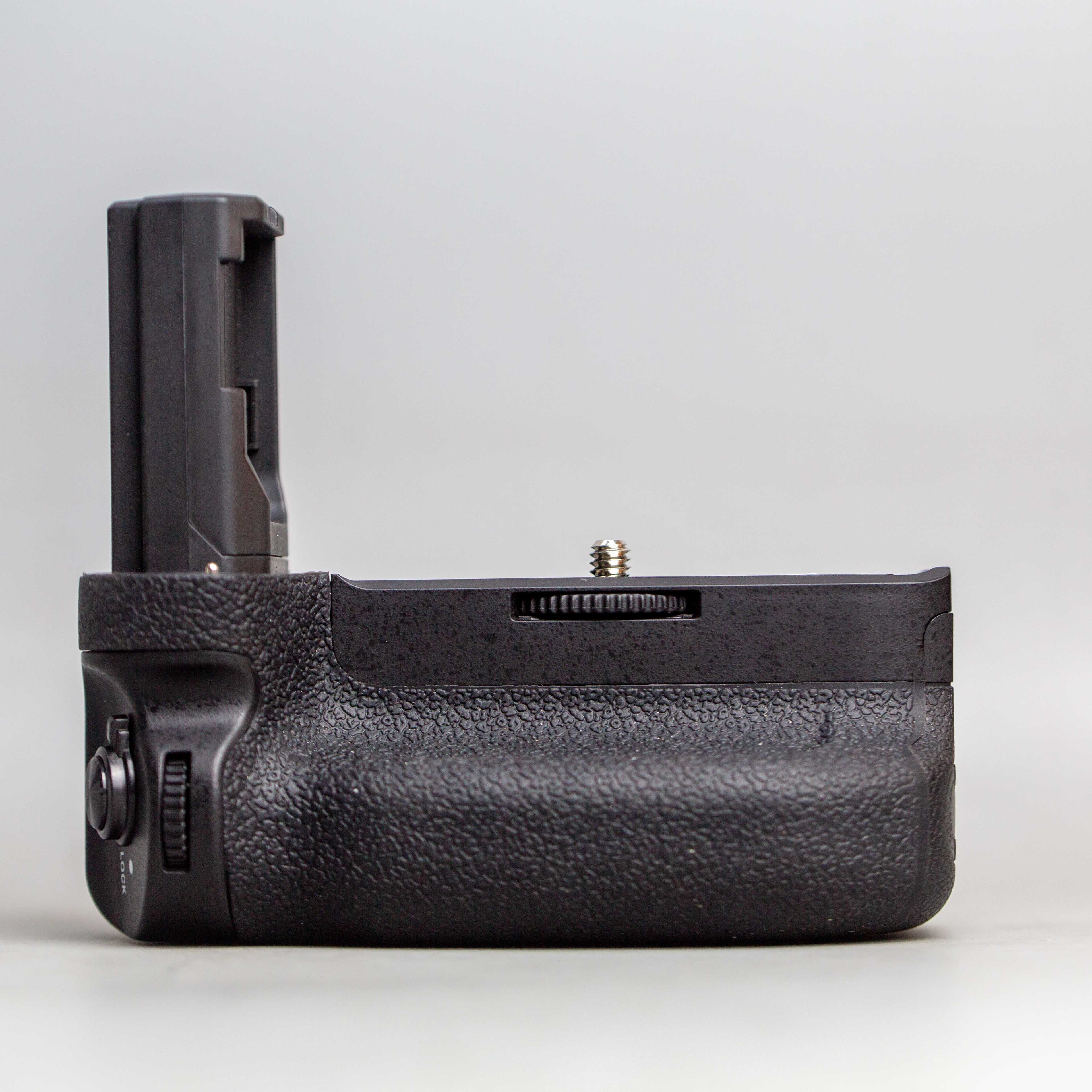 neewer-for-sony-a9-a7iii-a7riii-battery-grip-14724