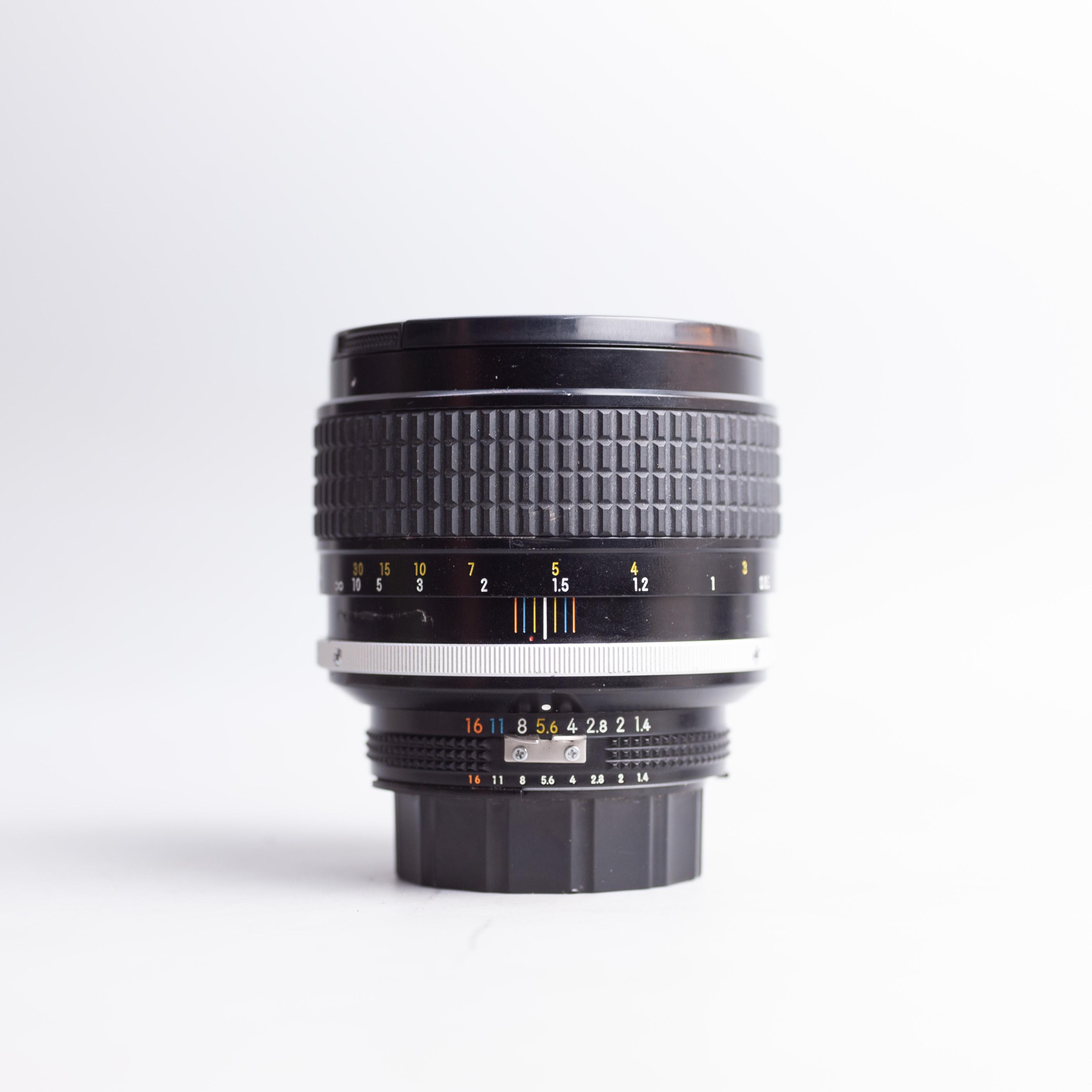 nikon-85mm-f1-4-ais-mf-85-1-4-18492