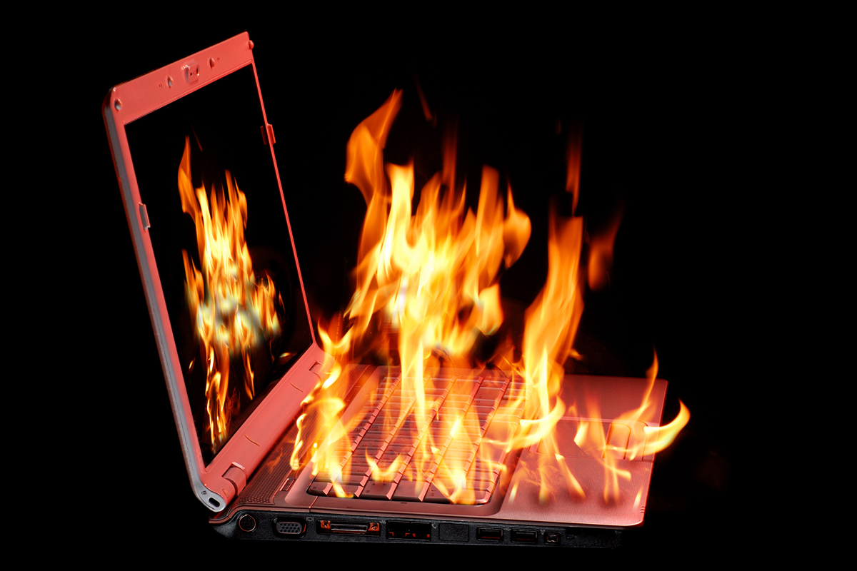 Các cách khắc phục lỗi pin laptop không nhận sạc