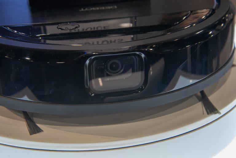 Ecovacs Deebot Ozmo 960 AI thông minh phát hiện vật thể nhờ camera