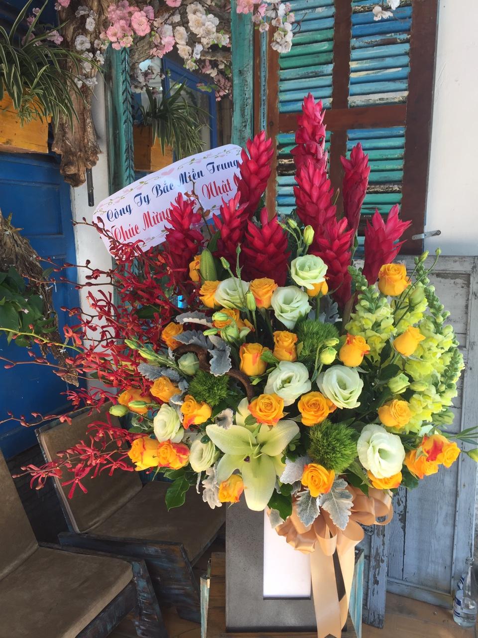 HKT102 - Hộp hoa chúc mừng