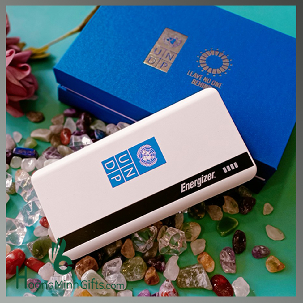 pin-sac-energizer-10-000mah-khach-hang-undp
