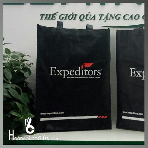 tui-vai-khong-det-khach-hang-expeditors
