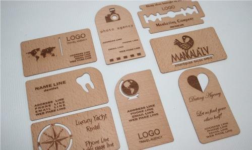Thiết kế sáng tạo card visit được làm bằng chất liệu gỗ