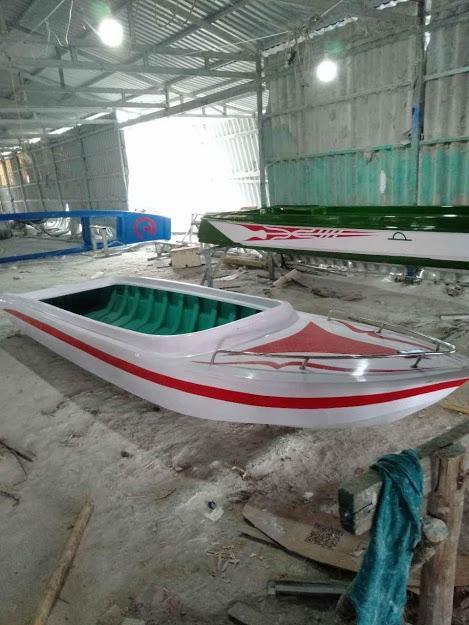 Cano Composite dài 4m x rộng 1.35m x cao 0.45m