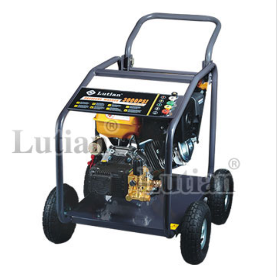 Máy rửa xe chạy xăng Lutian 15G32-9A