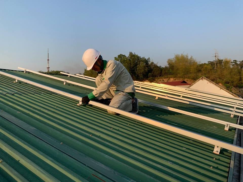 Hơn 8,5 tỉ đồng sắp được chi trả cho các hộ lắp điện mặt trời áp mái