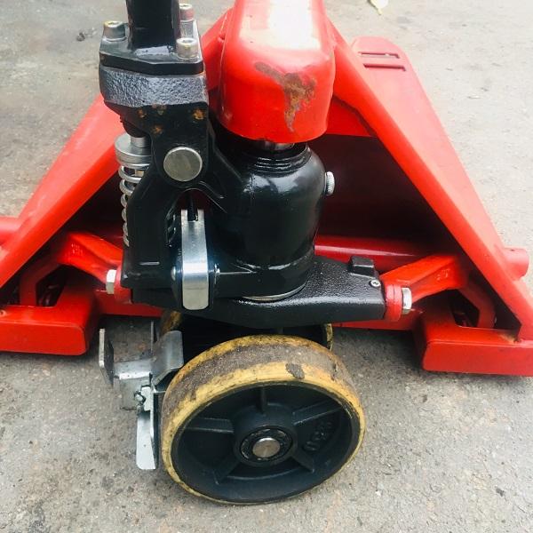 xe-nang-tay-2500=kg