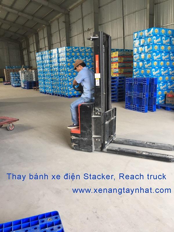 THAY-BANH-XE-NANG-DIEN-250-80-GIA-RE