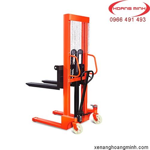 xe-nang-tay-cao-1500kg-gia-re