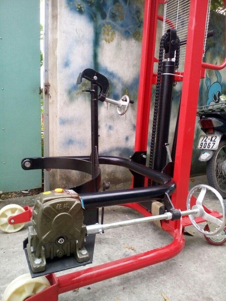 xe-nang-phuy-350kg