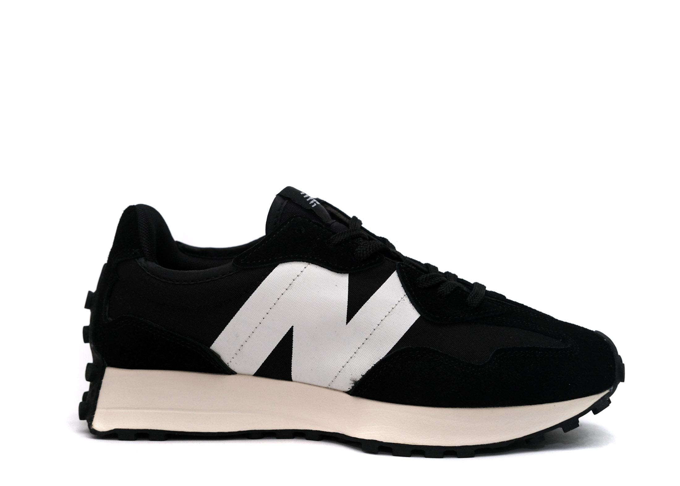 New Balance Wmns 327 'Black White