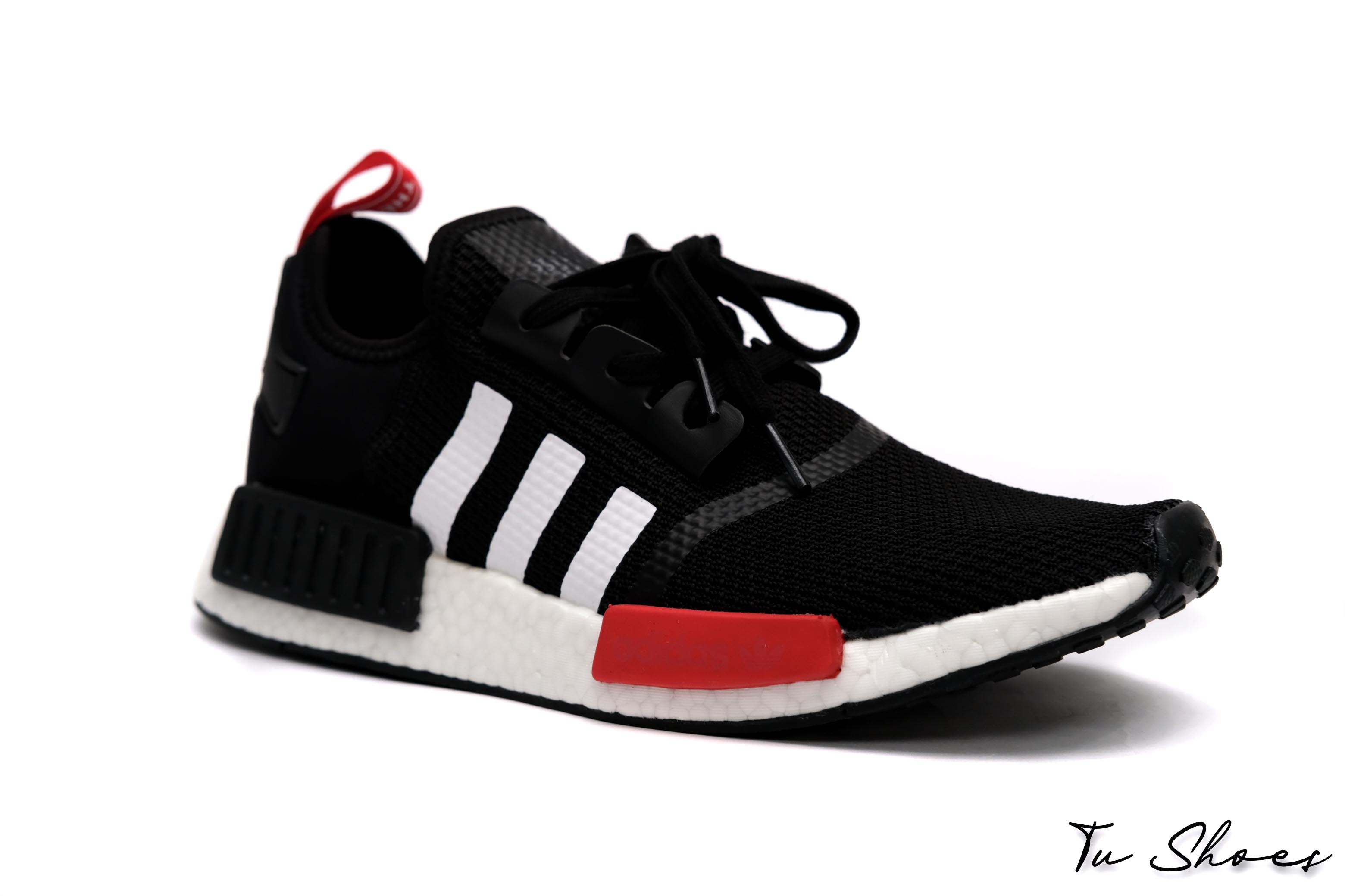 nmd-r1-black-white