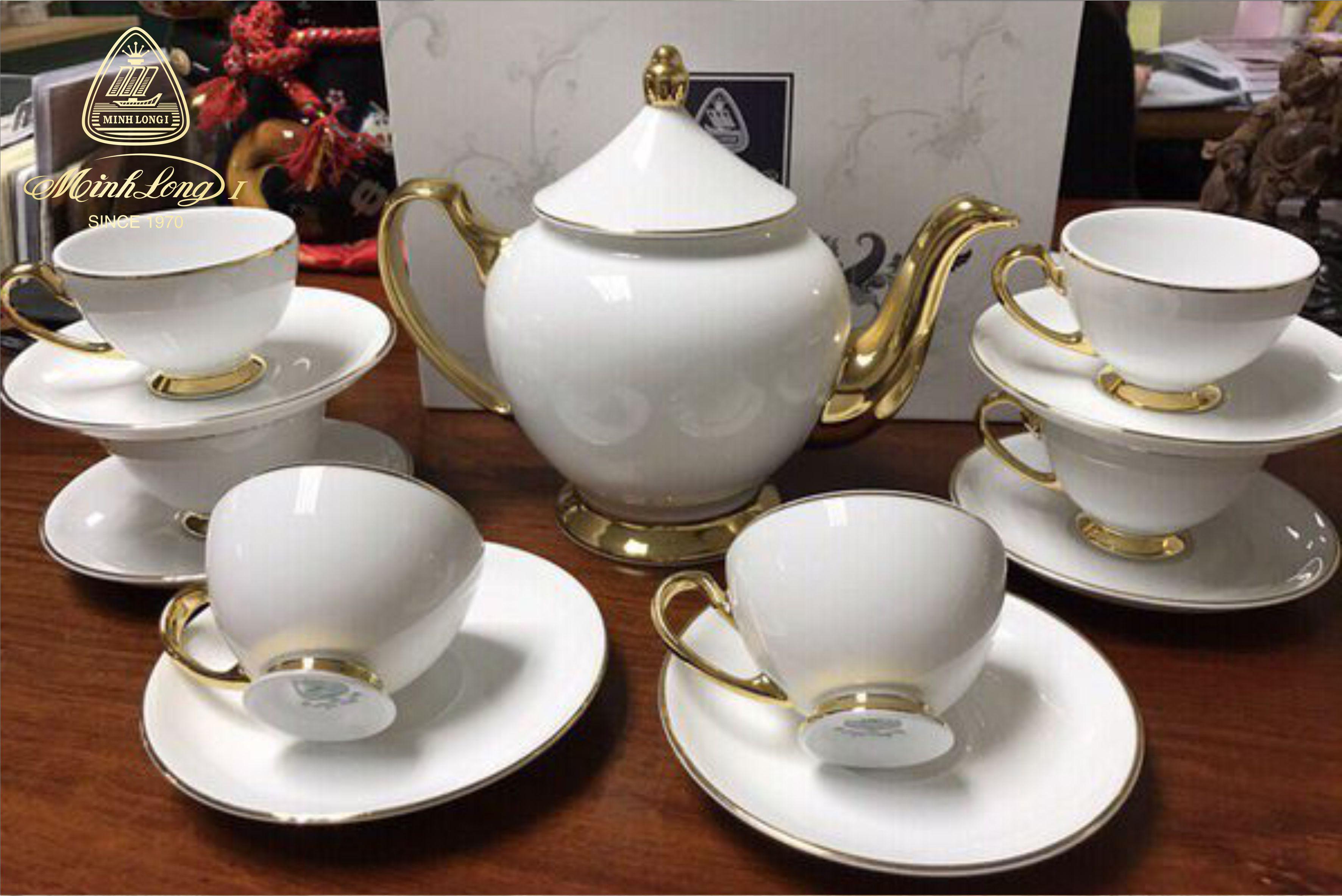 Bộ trà 0.8L Hoàng Cung Chỉ Vàng 01084001403 Minh Long