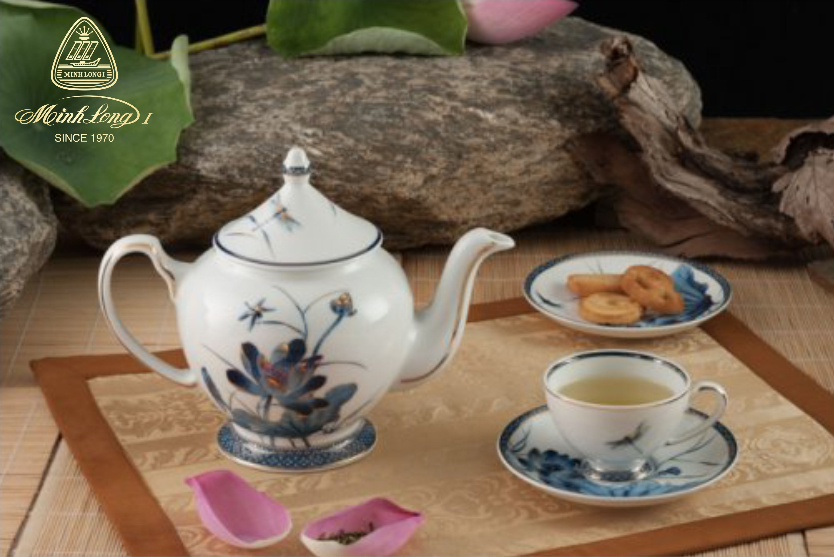 Bộ trà 0.8L Hoàng Cung Sen Vàng 01084034503 Minh Long