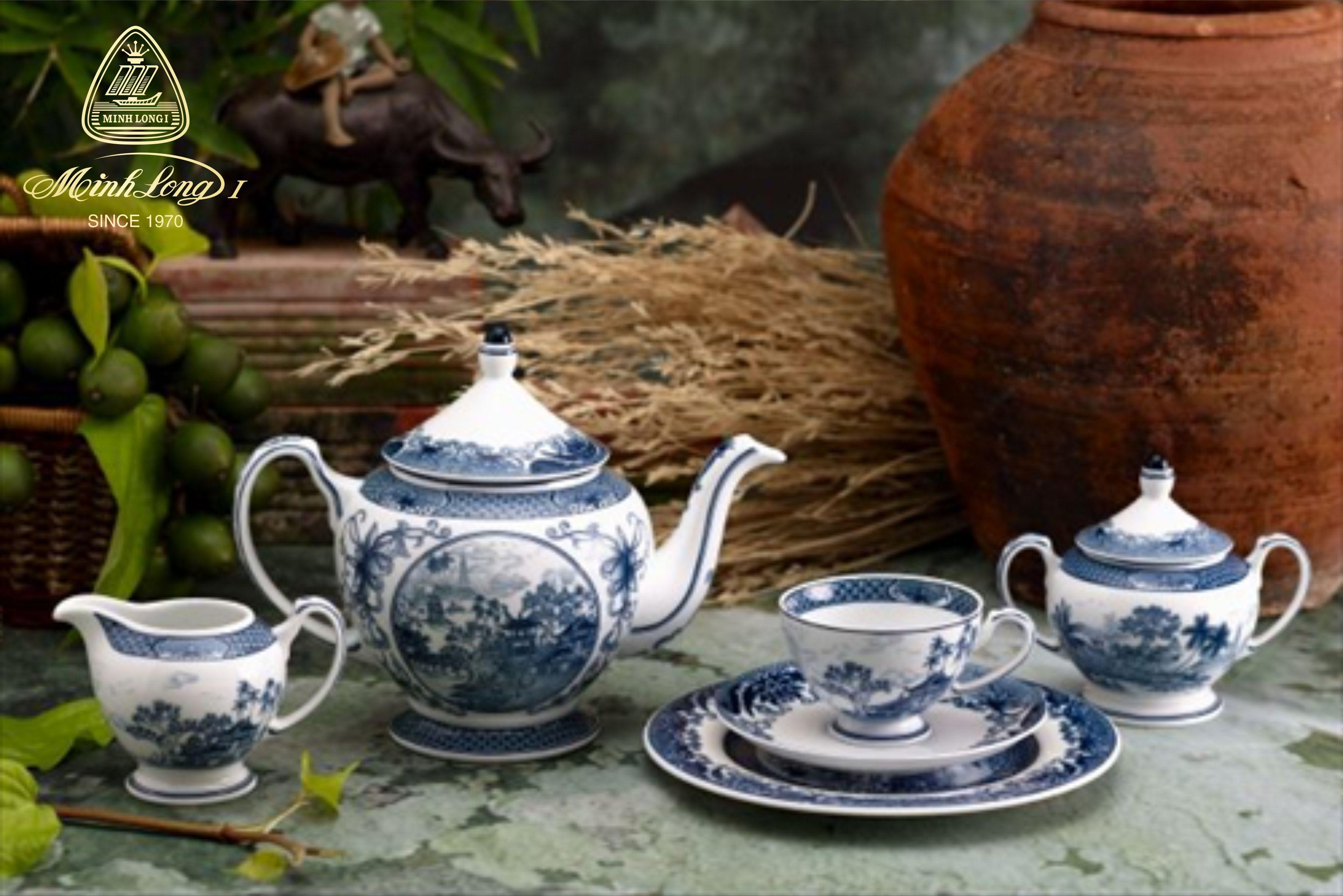 Bộ trà 1.3L Hoàng Cung Hồn Việt 01134003803 Minh Long