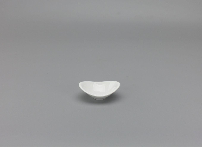 Chén chấm oval 9 x 6cm Anh Vũ Lys Trắng Ngà 570938000