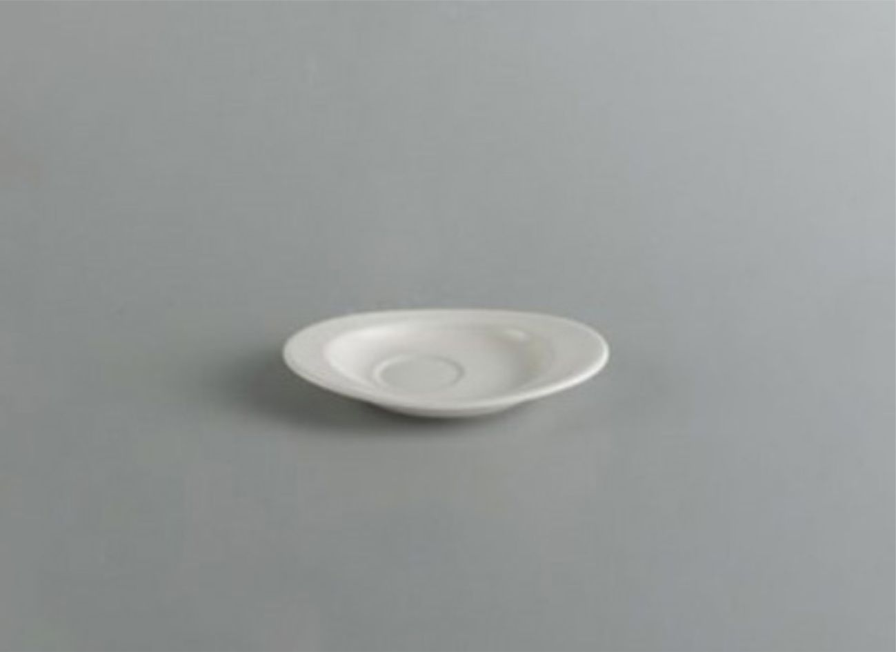 Dĩa lót oval 16 x 12cm Daisy Lys Trắng Ngà 571643000