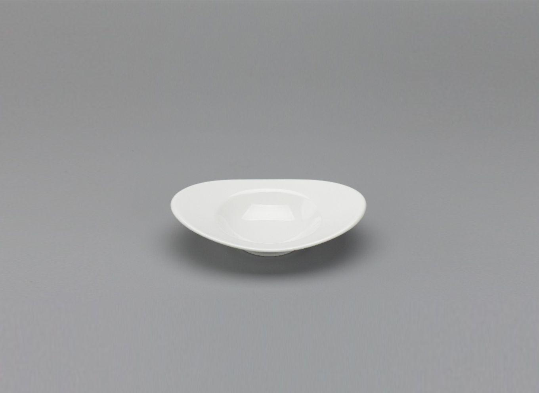 Chén oval vành 17cm Anh Vũ Lys Trắng Ngà 571739000