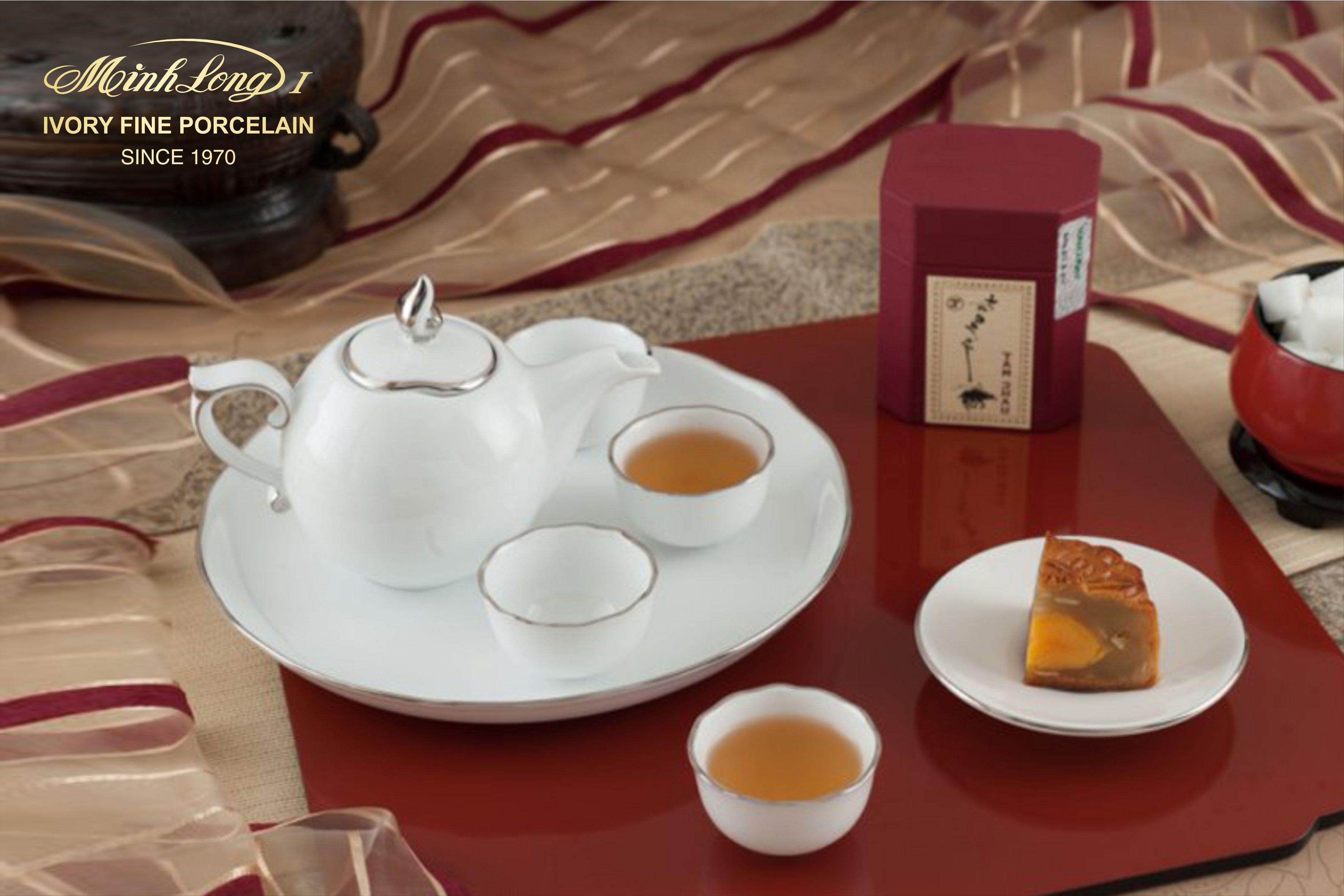 Bộ trà 0.3L Mẫu Đơn IFP Chỉ Bạch Kim 68301304303 Minh long