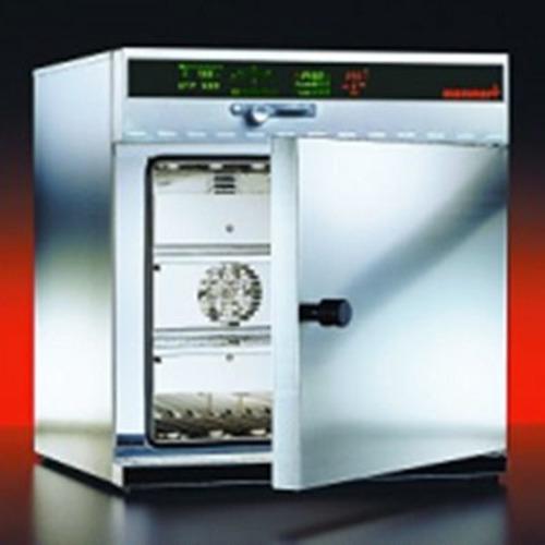 tu-say-memmert-model-ufe500