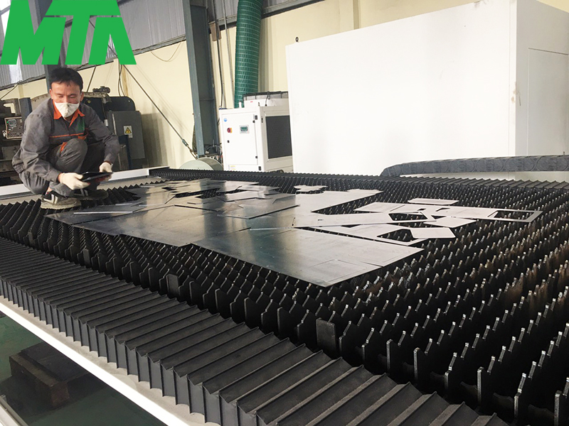 cắt laser kim loại tại Hòa Lạc