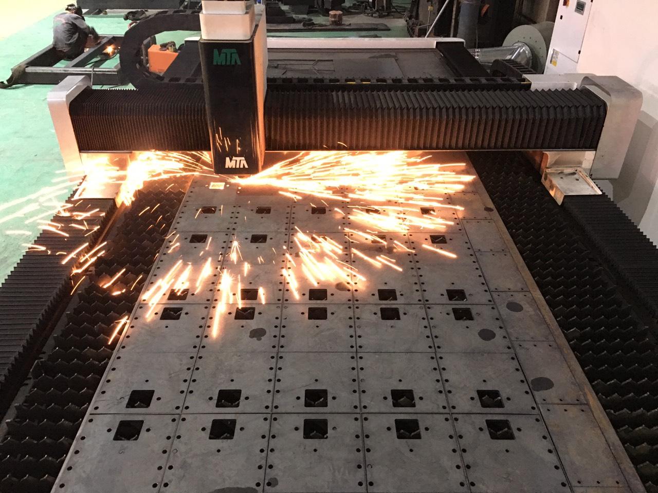 cắt laser thép