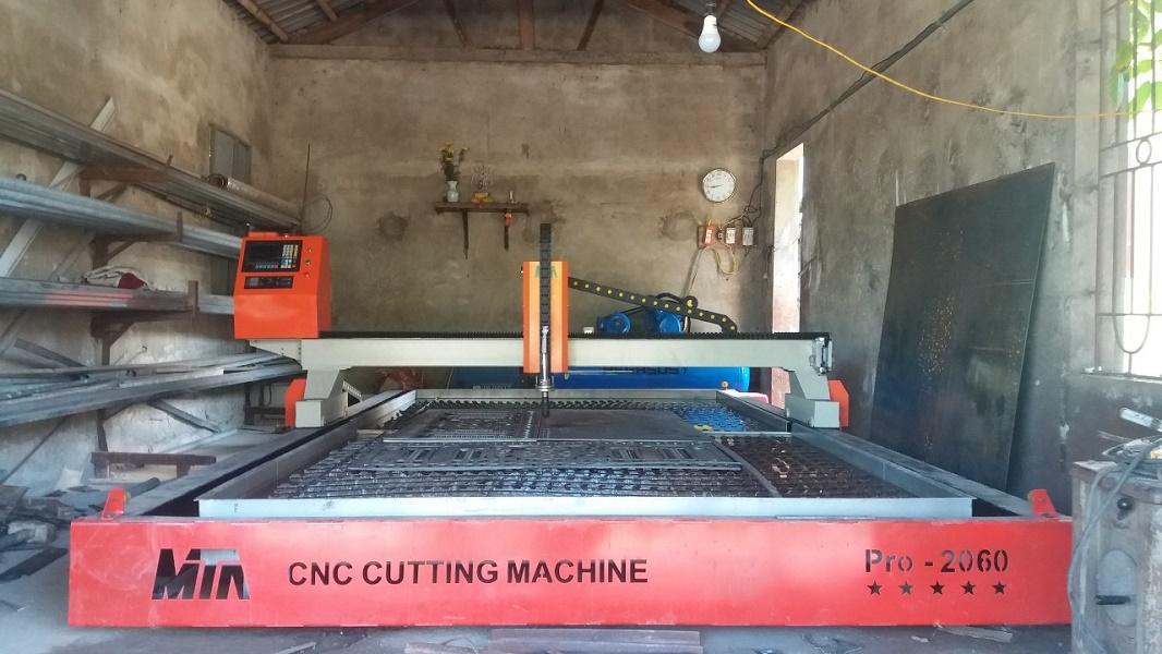 Máy cắt Plasma CNC làm mát mỏ cắt bằng nước