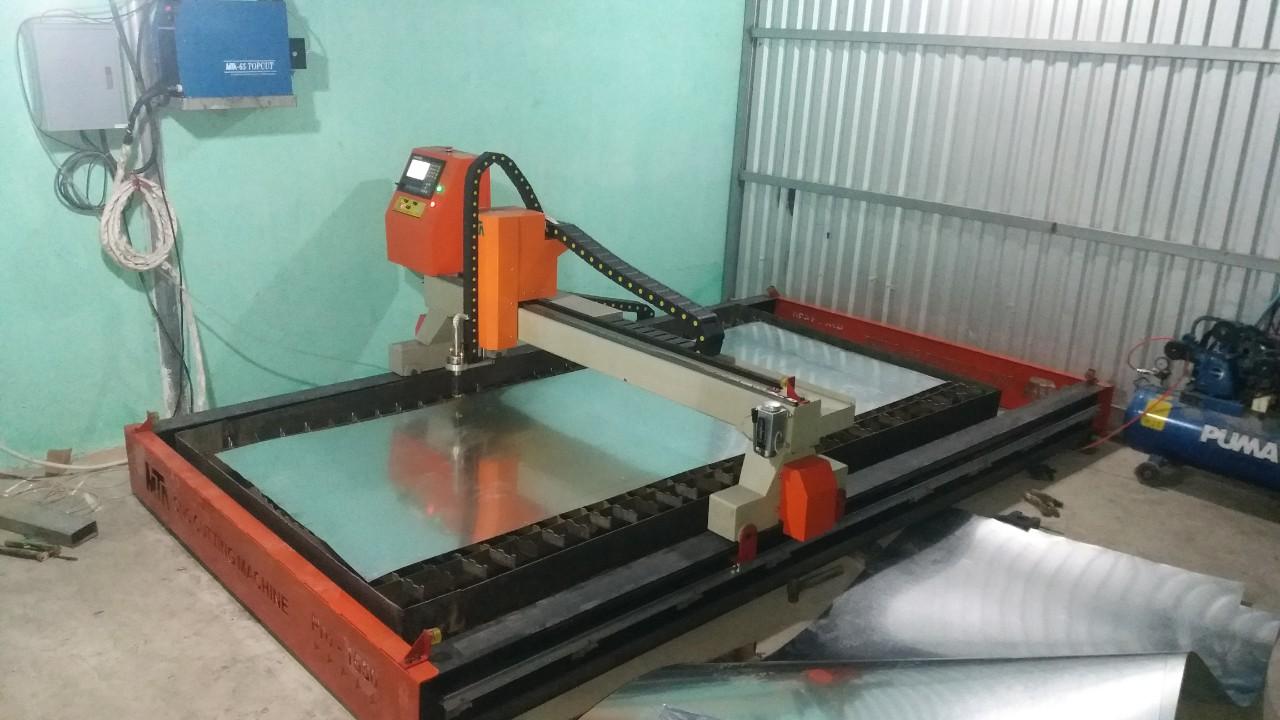 Máy cắt Plasma CNC chuyên cắt tôn mỏng