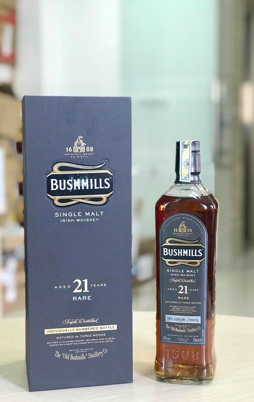BUSHMILLS WHISKEY  21 YEARS