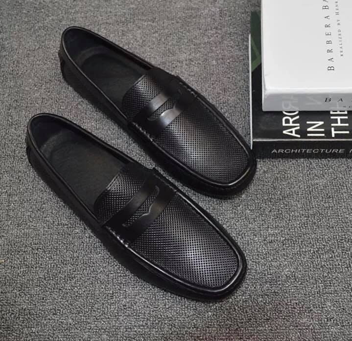 Giày lười nam đai ngang họa tiết đục lỗ 16061-3A