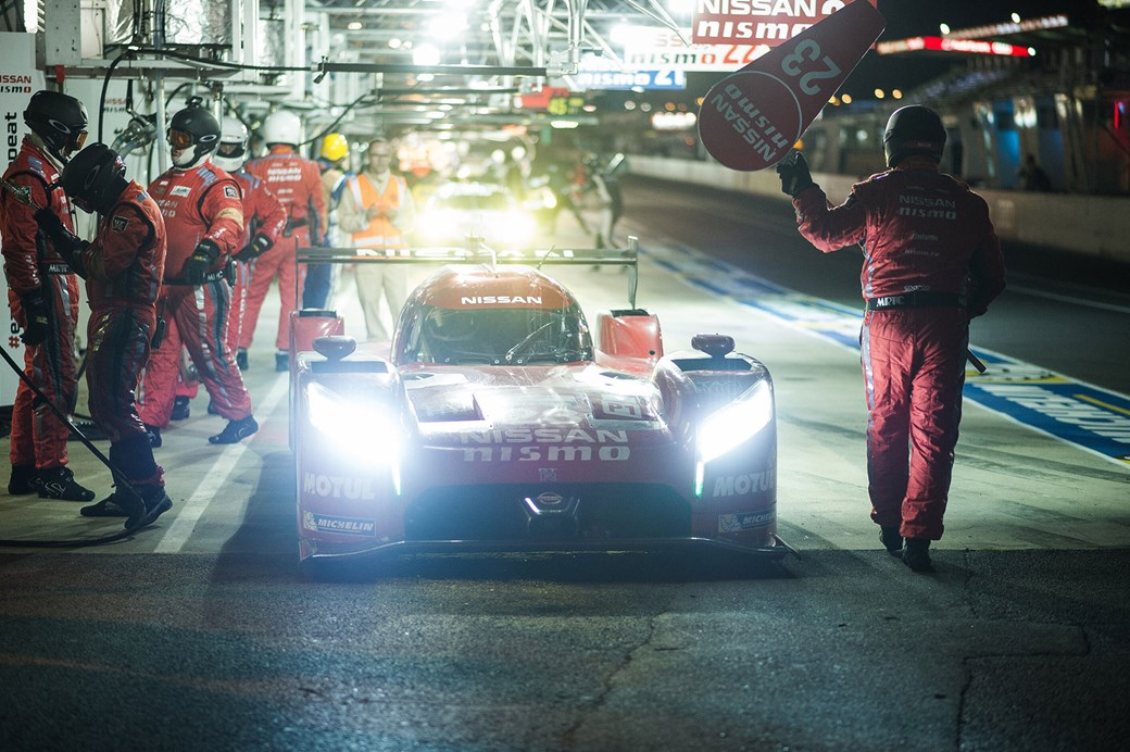 poring-trong-gt-r-lm-nismo-giua-chung-toc