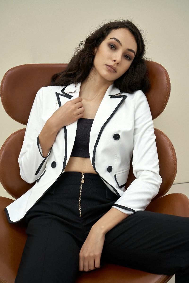 Áo Blazer nữ tương phản 1