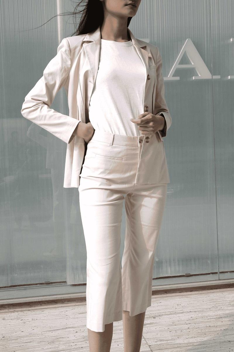 Áo Blazer màu kem 1