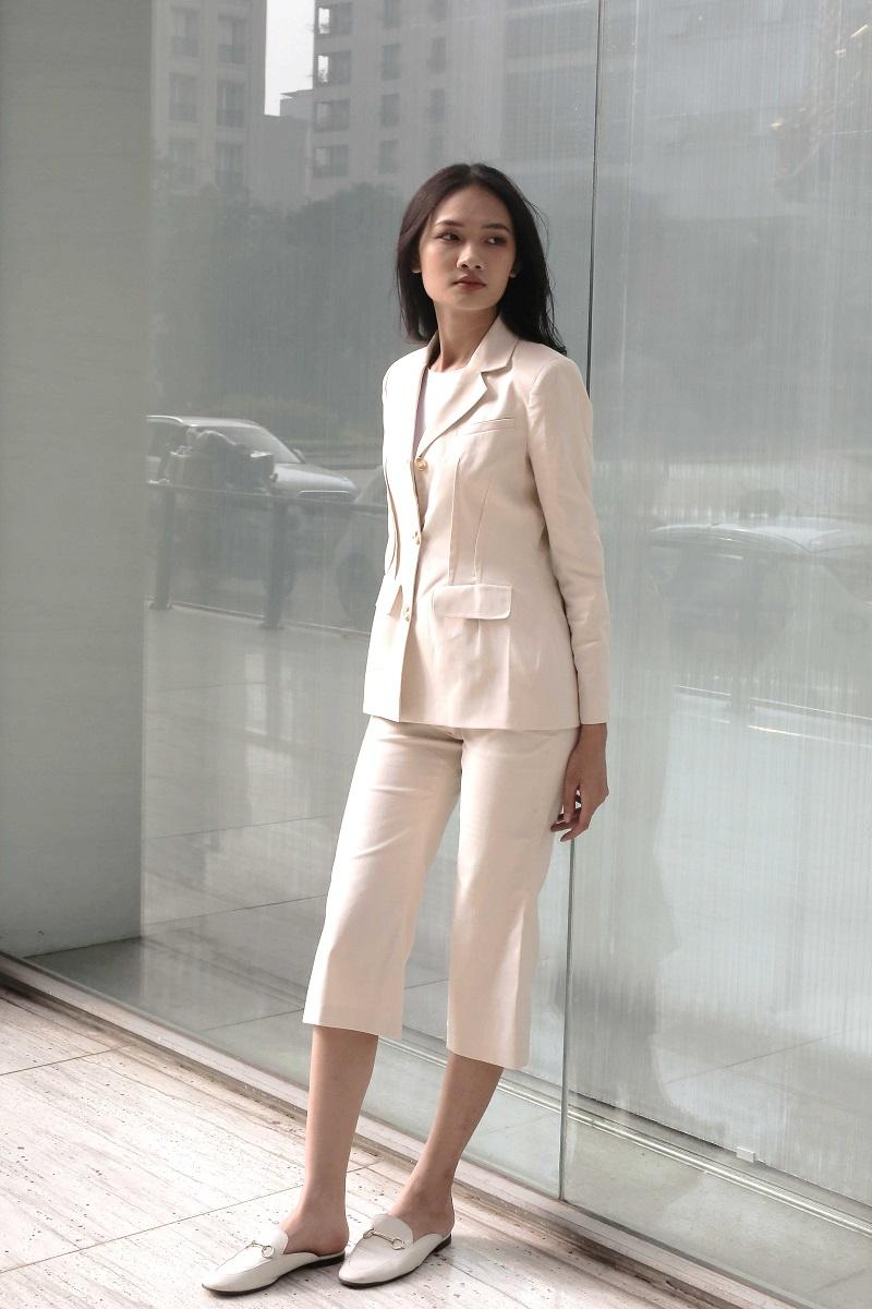 Áo Blazer màu kem 2