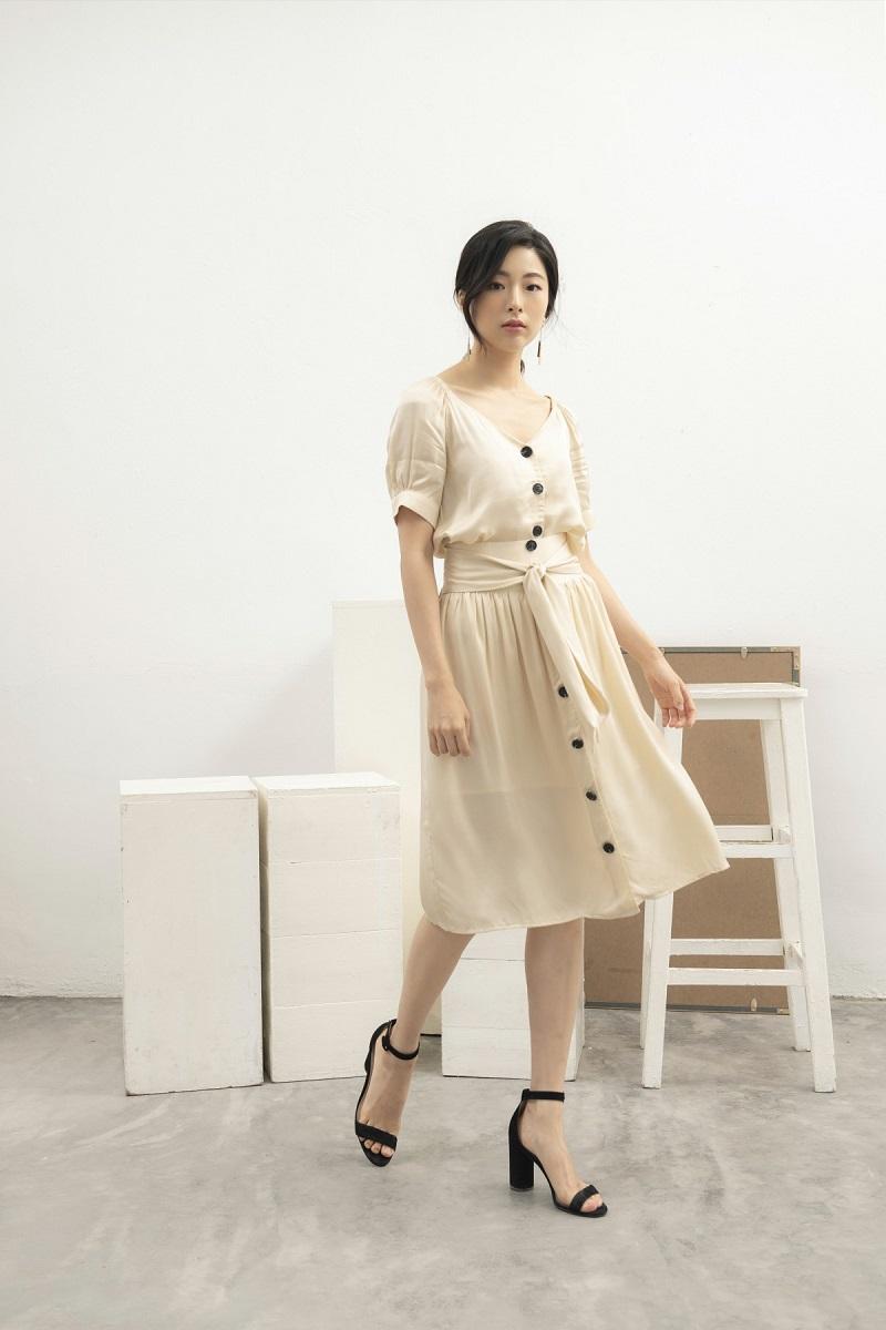 Silk Skirt - Chân Váy Lụa Cúc Lớn