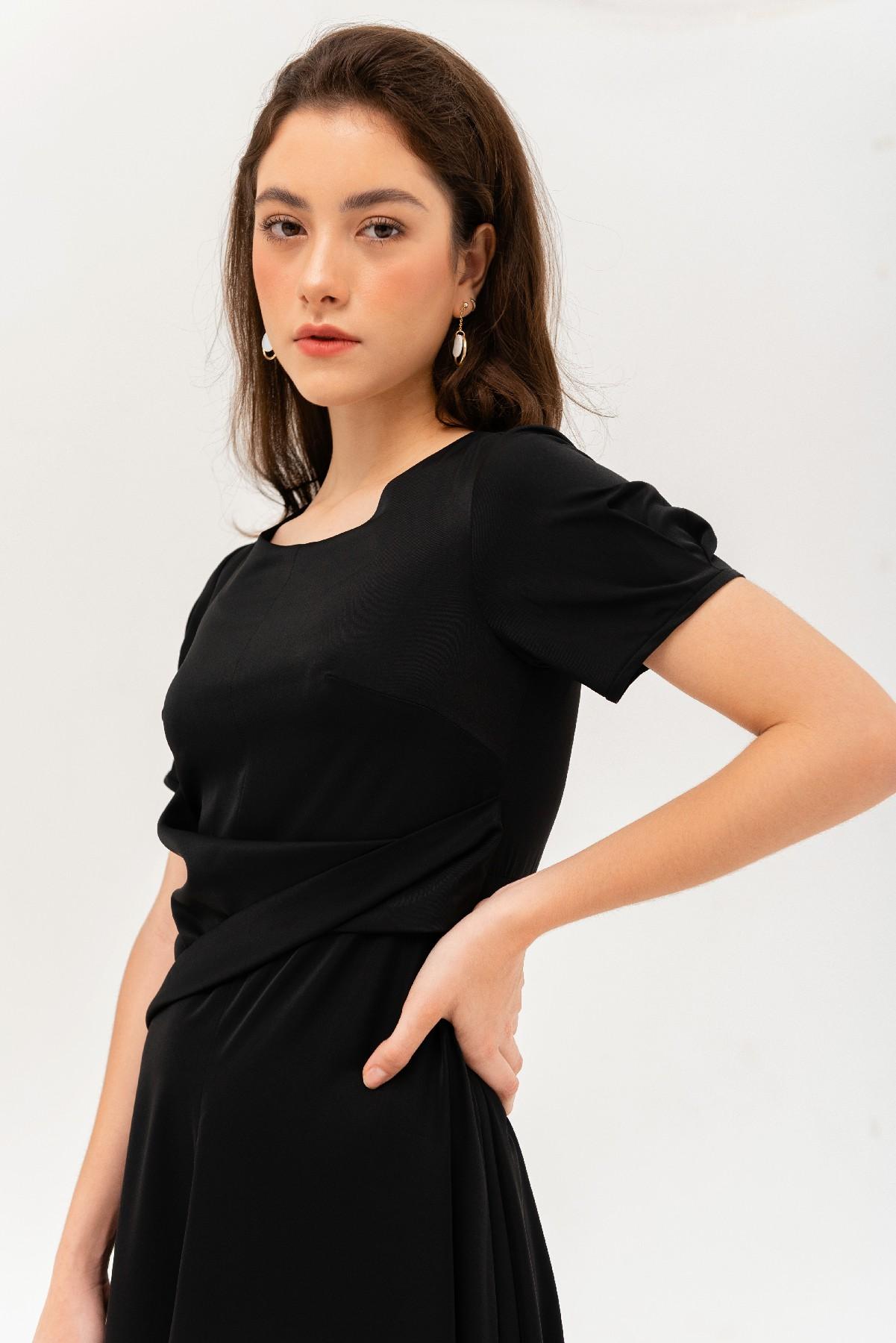 Đầm đen xoắn eo tay ngắn 3