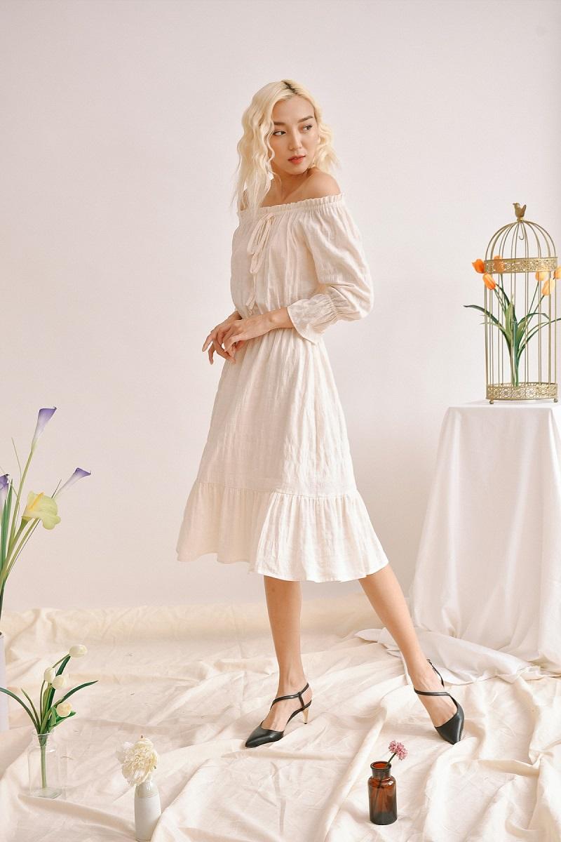 Đầm maxi trắng trễ vai 2