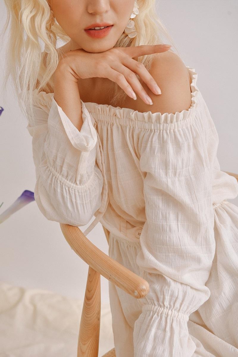 Đầm maxi trắng trễ vai 3