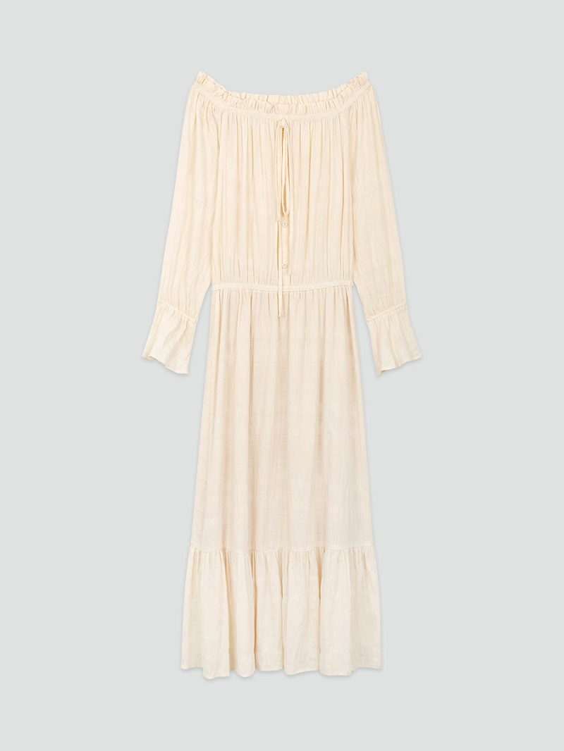Đầm maxi trắng trễ vai 4