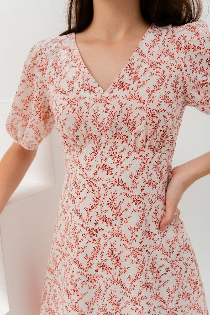 Đầm tay ngắn họa tiết hoa đỏ 3
