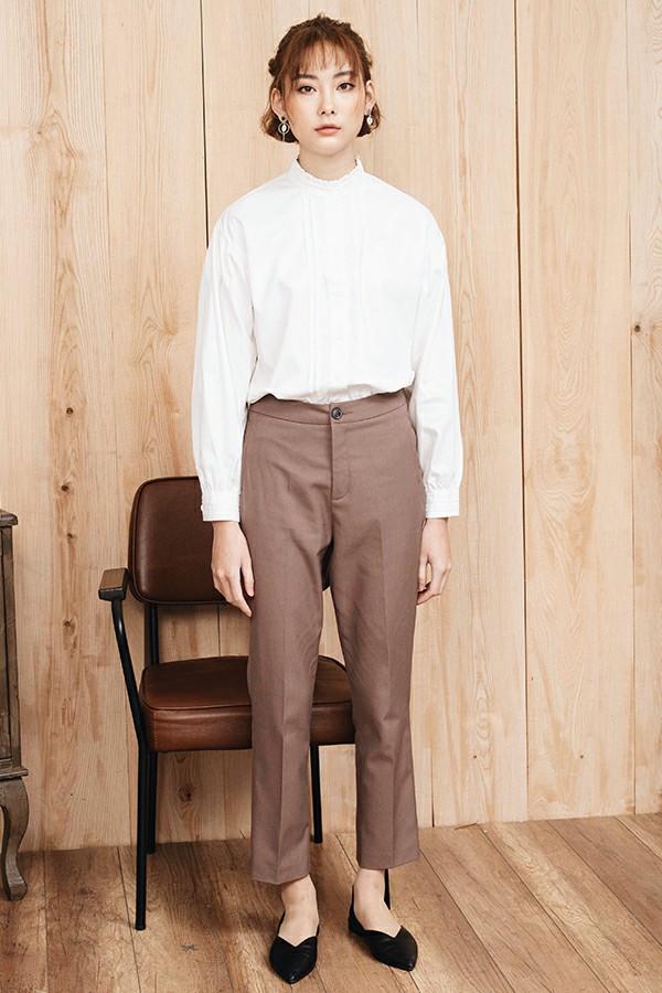Basic Slim Fit Slacks - Quần Khaki Nâu Ống Thẳng