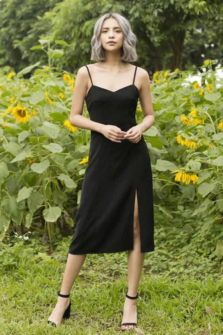 Slip Dress - Váy Hai Dây Đen Dáng Dài Xẻ Chân
