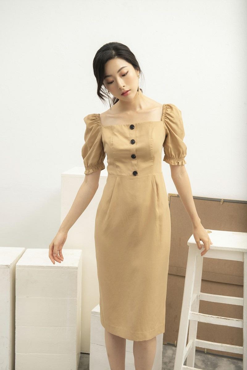 Váy ôm thân cổ vuông 1