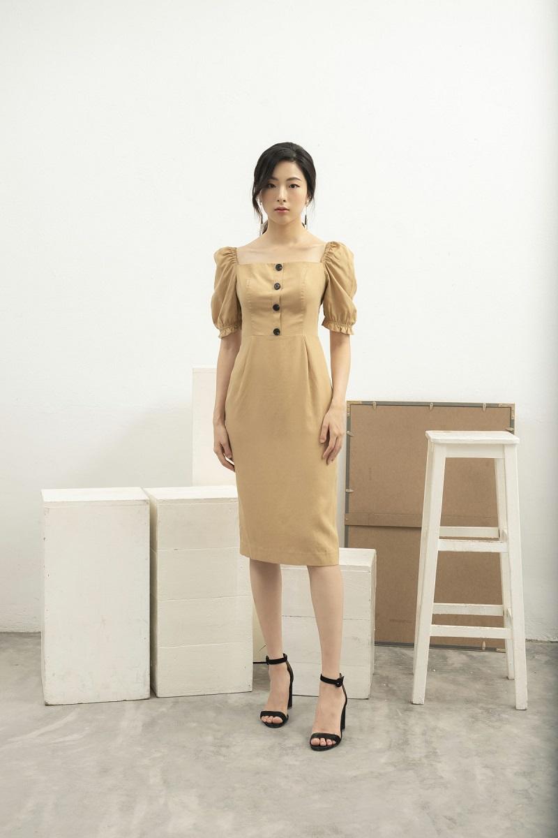 Váy ôm thân cổ vuông 2
